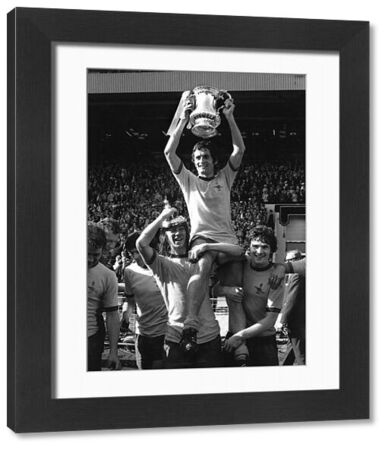 FOOTBALL - FRANK McLINTOCK (ARSENAL CAPTAIN) CHAIRED BY CHARLIE GEORGE & PAT RICE (RIGHT) AS ARSENAL COMPLETE LEAGUE & CUP DOUBLE. FA CUP FINAL, WEMBLEY 8/5/1971, ARSENAL 2 LIVERPOOL 1 (AET). CREDIT : COLORSPORT