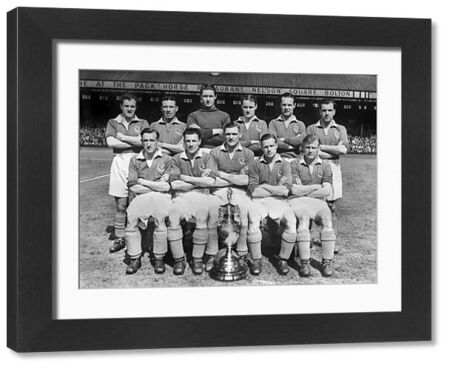 Football - First Division 1948 / 1949 - Bolton Wanderers 1 Portsmouth 2 (23/04/1949) This was the game gave Portsmouth their first League title, as Man United and Newcastle both drew. Portsmouth Team Group - League Champions Back row (left to right)