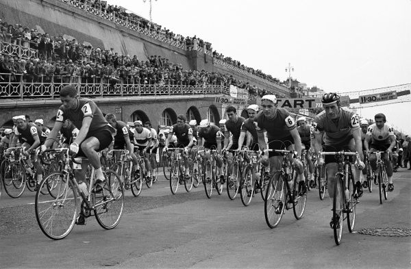 Road Cycling - 1968 Milk Race (Tour of Britain) - Stage One Depart: Brighton