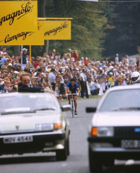 Cycling - 1982 UCI Road World Championships - Elite Men's Road Race Italy's Giuseppe 'Beppe' Saronni cycles to victory to become world champion at Goodwood