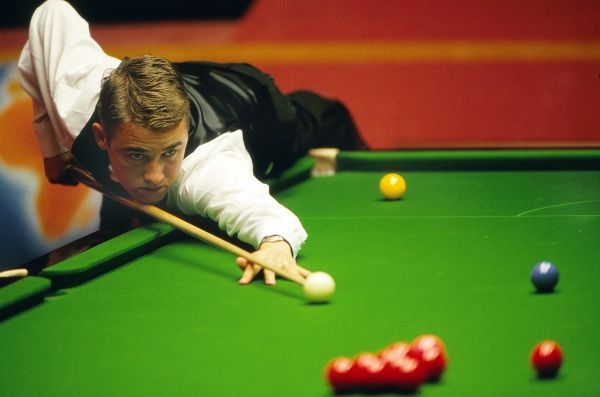 Snooker - 1996 Embassy World Championship - The Crucible Theatre, Sheffield Scotland's Stephen Hendry. That year he won his sixth world title