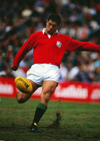 Rugby Union - 1989 British Lions Tour of Australia - Third Test: Australia 18 British Lions 19     Gavin Hastings of the Lions kicks to touch at the Sydney Football Ground.     15/07/1989