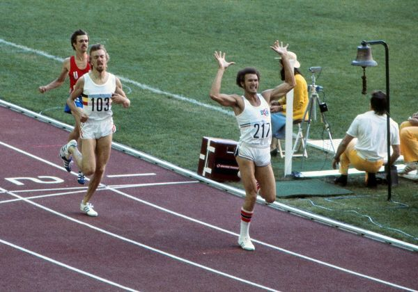Athletics - 1976 Montreal Olympics - Men's 800m Final Cuba's Alberto Juantorena wins the gold in a new World Record of 1:43