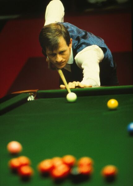Snooker - Embassy Snooker World Championships 1985 - The Crucible Theatre, Sheffield Alex Higgins in action