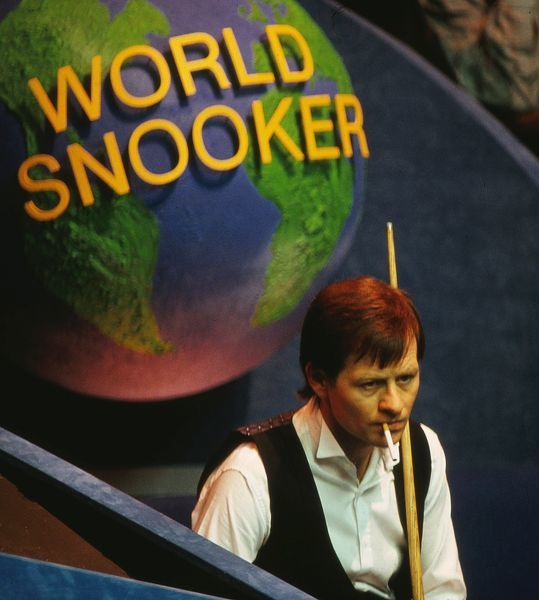 Snooker - World Championships 1987 Alex Higgins has another cigarette at the Crucible Theatre