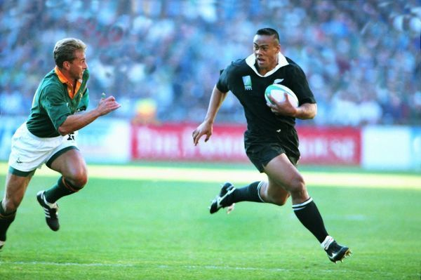 Jonah Lumu (NZ) JOHANNESBURG, 24/06/1995.  RUGBY WORLD CUP 1995 - FINAL.  SOUTH AFRICA V NEW ZEALAND  CREDIT: COLORSPORT/STUART MACFARLANE
