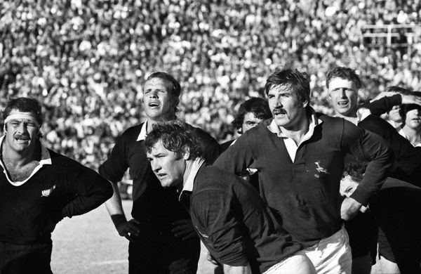 The All Blacks face the Springboks in 1976