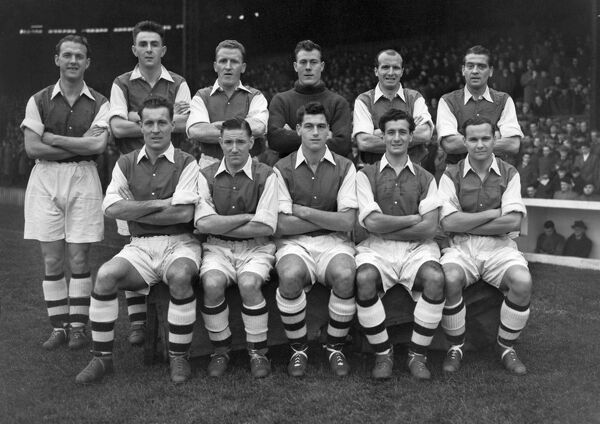 Football - 1953 / 1954 season - Arsenal Team Group Back (left to right): Bill Dickson, Bill Dodgin, Alex Forbes, Jack Kelsey, Walley Barnes, Doug Lishman. Front: Don Roper, Jim Logie, Cliff Holton, Len Wills, Reuben Marden