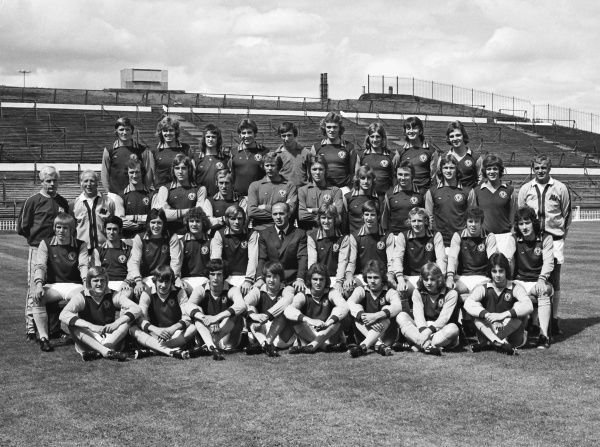 Football - 1974 / 1975 Aston Villa Photocall - Full Squad Team Group Back (left to right): Sammy Morgan, Neill Rioch, Brian Little, Ry Stark, Robert Fletcher, Bobby Campbell, Steve Hunt, John Overton, Frank Pimblett. Middle: Fred Pedley (physiotherapist)