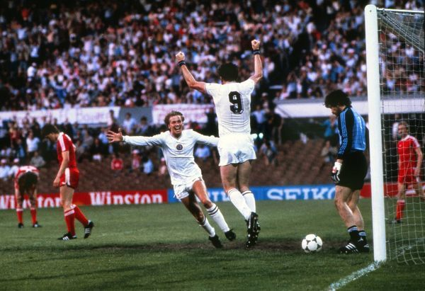 Aston Villa's Peter Withe celebrates scoring the only goal of the game with Gary Shaw.  1982 European Cup Final, De Kuip in Rotterdam, Netherlands Aston Villa 1 Bayern Munich 0  26/05/1982  Credit : Colorsport