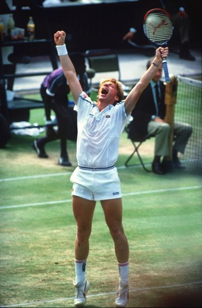 Becker wins Final : Boris Becker (Germany) celebrates his victory. Mens final. Wimbledon Tennis Championships 1986. Becker v Lendl. Credit : Colorsport/Andrew Cowie