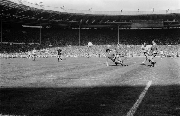 FOOTBALL CHARLIE GEORGE SCORES FOR ARSENAL AS THEY COMPLETE LEAGUE & CUP DOUBLE.  FA CUP FINAL - Wembley  08/05/1971 ARSENAL 2 LIVERPOOL 1 (AET).  CREDIT : COLORSPORT