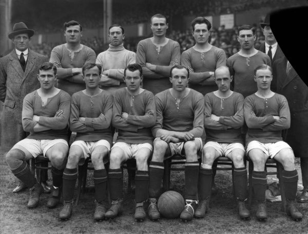 Football - 1920 / 1921 season - Chelsea Team Group   Back (left to right): Jack Harrow, Fred Barrett, James Molyneux, Harry Wilding, Jack Cock, Robert 'Bob' McNeil, J. Whitley (trainer). Front row: Harry Ford, Walter Bettridge, James Ferris