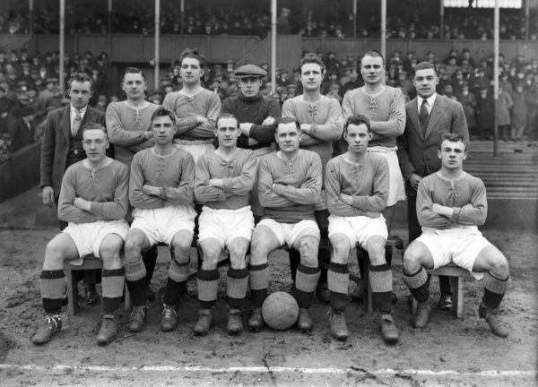 Football - 1927 / 1928 season - Chelsea Team Group Back (left to right): Harold Miller, John Priestley, Leslie Odell, Simeon Millington, Jack Townrow, Harry Wilding, William Jackson.   Front: Tommy Law, George Biswell,Willam Ferguson, Andy Wilson