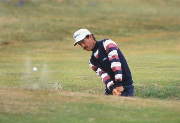 Golf Corey Pavin, who tied for fourth place, chips out of the sand. 1993 Open Championship Royal St George's Golf Club, Sandwich