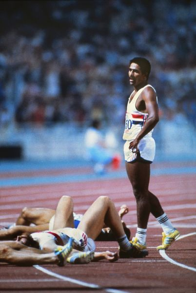 DALEY THOMPSON (GBR) STANDS ALONE AT THE FINISH LINE AFTER WINNING THE DECATHLON. ATHLETICS WORLD CHAMPIONSHIPS, ATHENS 1982. CREDIT COLORSPORT / COLIN ELSEY