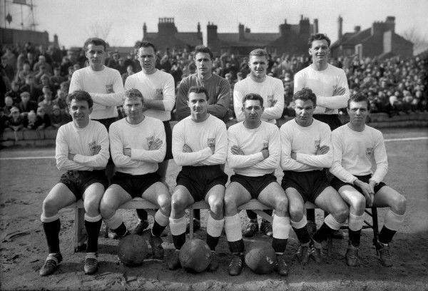 Football - 1962 / 1963 season - Derby County Team Group Back (left to right): R. Young, G. Barrowcliffe, Reg Matthews, R. Ferguson, L. Moore. Front: D. Roby, M. Hopkinson, J. Parry, W. Curry, B. Hutchinson, J. McCann
