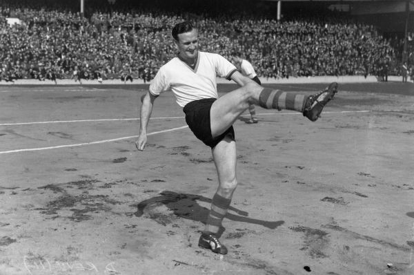 Football - Don Revie - Leeds United Photocall 23/04/1960 Everton v Leeds United Credit : Colorsport
