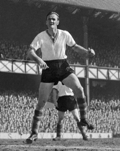 Don Revie (Leeds). Everton v Leeds United 23/04/1960 Credit : Colorsport