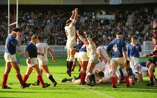 Brian Moore celebrates after Will Carling (ground) had scored the decisive Try. France v England, World Cup 1/4 Final. Parc des Princes, Paris, 11/10/1991. Credit: Colorsport