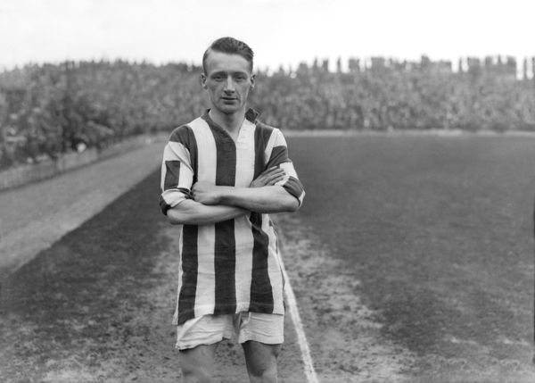Enos Min Bromage (West Bromwich Albion) 1927 / 28 Season Credit : Colorsport