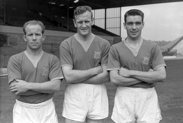 L to R. Eric Smith,Don Revie,William 'Willie' Bell (Leeds United) Photocall 21/07/1960 Credit : Colorsport