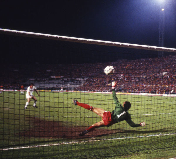 Football - 1984 European Cup Final - Liverpool 1* Roma 1 (*won 4-2 on pen a