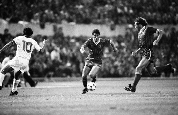 Football - 1984 European Cup Final - Liverpool 1* Roma 1 (*won 4-2 on pen a.e.t.)     Liverpool's Ian Rush on the ball, at the Stadio Olimpico, Rome.     30/05/1984