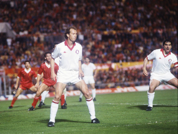 Football - 1984 European Cup Final - Liverpool 1* Roma 1 (*won 4-2 on pen a.e.t.)     Roma's Paulo Roberto Falcao (left) and captain Agostino Di Bartolomei, at the Stadio Olimpico, Rome.     30/05/1984