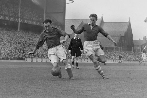 Football - 1950 / 1951 First Division - Everton 0 Charlton Athletic 0 Everton's Peter Farrell and Charlton's Hans O. Jeppson at Goodison Park