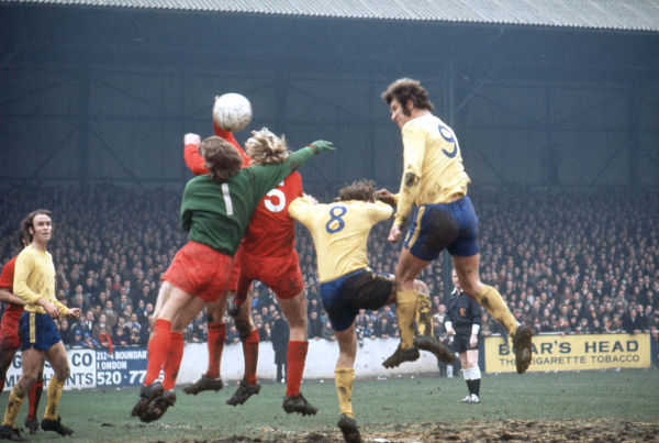 Football - 1971 / 1972 FA Cup - Fifth Round: Leyton Orient 3 Chelsea 2    Peter Osgood (#9) rises to put Chelsea into a 2-0 lead with a powerful header after 35 minutes, out-jumping teammate Steve Kember (#8), and opposition goalkeeper Ray Goddard