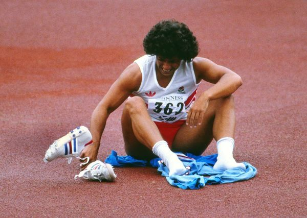 A1 (84x59cm) Poster of Fatima Whitbread breaks down in tears after losing  the gold medal to Tessa Sanderson at the 1986 Edinburgh Commonwealth Games