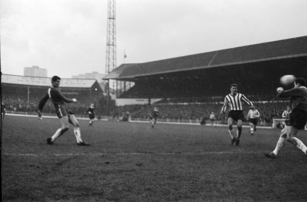 Football - 1965 / 1966 First Division - Sheffield United 1 Chelsea 2     Peter Osgood shoots past goalkeeper Alan Hodgkinson to score Chelsea's second goal, at Bramall Lane.     30/10/1965