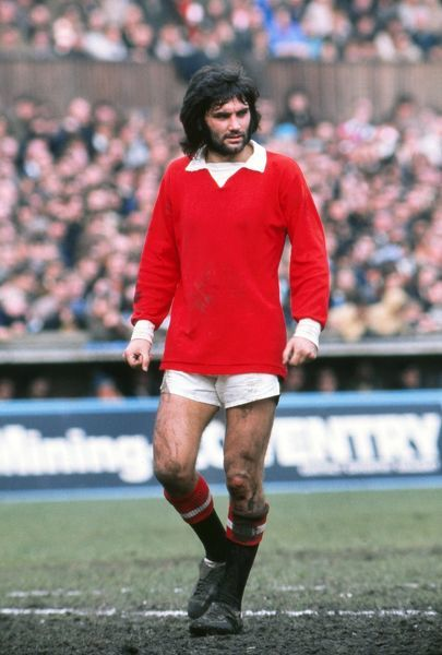 Football - 1971 / 1972 First Division - Coventry City 2 Manchester United 3 United's George Best at Highfield Road. 01/04/1972