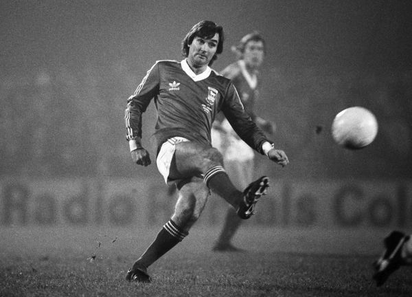 George Best - playing in an Ipswich shirt Ipswich Town v England X1. Bobby Robson Testimonial match.  13/11/1979  Credit Colorsport/Andrew Cowie