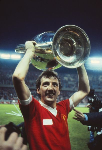 Goalscorer Alan Kennedy celebrates with the trophy.  Liverpool 1 Real Madrid 0, European Cup Final, Parc de Princes, Paris, 10/05/1981.  Credit: Colorsport / Andrew Cowie