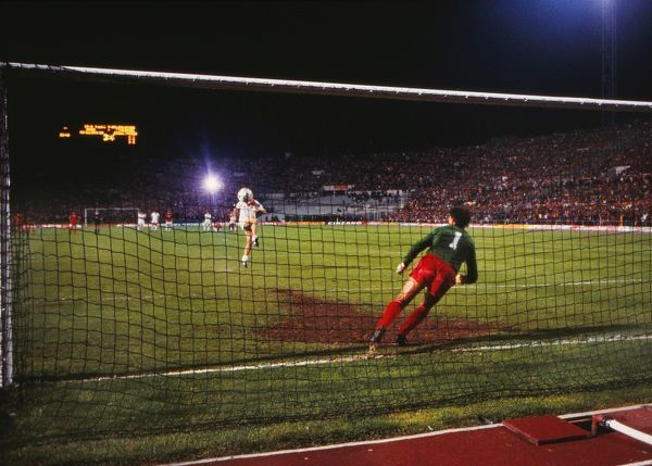 Football Liverpool keeper Bruce Grobbelaar watches Graziani's penalty go over the bar.  Liverpool 1 Roma 1 (Liv. won 4-2 on penalties a.e.t.)  1984 European Cup Final, Rome.  30/05/1984  Credit : Colorsport / Andrew Cowie