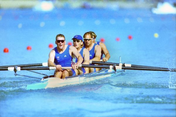 Great Britain's Coxless 4 Rowing team (l-r Matthew Pinsent, Tim Foster, Steve Redgrave and James Cracknell) cruise to victory in their semi-final. Mens Coxless Fours, Rowing, Sydney Olympics, 21/09/2000.  Rowing Credit: Colorsport / Andrew Cowie