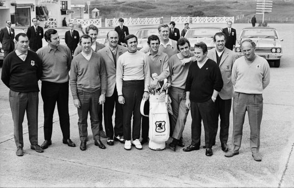 Golf - 1969 Ryder Cup - Great Britain & Ireland 16 USA 16 (USA retains trophy) The Great Britain & Ireland team at Royal Birkdale Golf Club. Left to right, Christy O'Connor 'Senior', Peter Alliss, Alex Caygill, Brian Barnes, Eric Brown (captain)