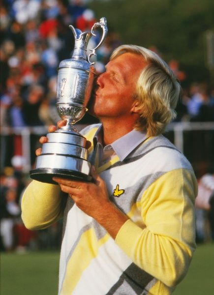 Greg Norman (AUS) kisses the British Open trophy. British Open Golf Championships 1986 @ Turnberry. Credit : Colorsport