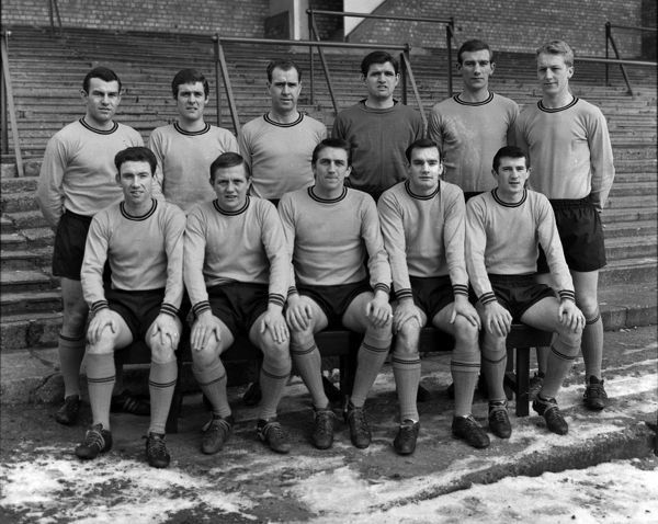 Football - Hull City team group - Third Division Champions 1965/1966 season.  Back, l-r: D. Butler, A. Jarvis, A. Davidson, M. Swan, M. Milner, C. Simpkin.  Front: R. Henderson, Ken Wagstaff, C. Chilton, K. Houghton, I. Butler