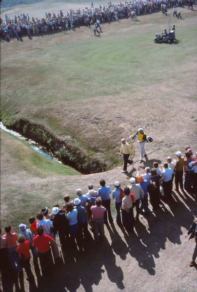 Golf - The Open Championship Jack Nicklaus (USA) approaches the 16th green.  British Open Golf Championships 1977 @ Turnberry  09/07/1977 Credit : Colorsport
