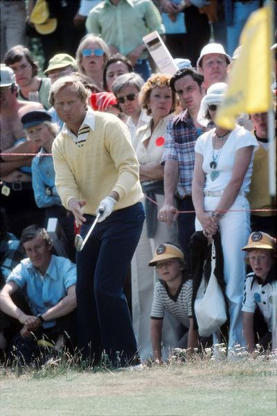 Golf - The Open championship Jack Nicklaus (USA)chips onto the 5th green British Open Golf Championships 1977 @ Turnberry  09/07/1977 Credit : Colorsport