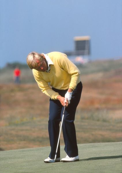 Golf - The Open Championship Jack Nicklaus (USA) putting  British Open Golf Championships 1977 @ Turnberry  09/07/1977 Credit : Colorsport