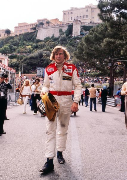 Motor Racing - Formula One F1 World Championships - 1978 Monaco Grand Prix James Hunt walks to the track with Monte Carlo in the background