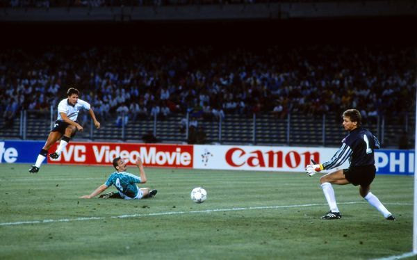 Football Gary Lineker scores the equalising goal for England past Bodo Illgner (Gk) and Jurgen Kolher (Germany).  England v West Germany.  The World Cup Semi Final 1990 - Turin  04/07/1990.  Credit: Colorsport/ Andrew Cowie