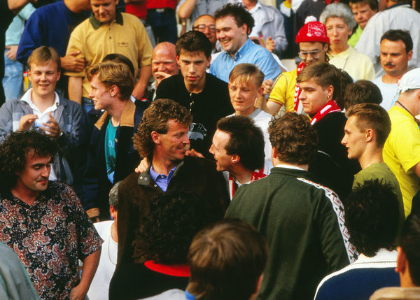 Football - 1988 / 1989 Liverpool v Arsenal. 26/05/1989     Graham Rix of Arsenal joins the Arsenal crowd at Anfield.     Credit : Colorsport / Andrew Cowie