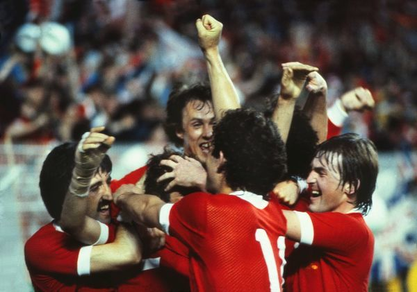 Kennedy Goal celebrations : Alan Kennedy celebrates scoring the winning goal for Liverool with David Johnson (Left) Phil Neal (Back) Graeme Souness (11) and Kenny Dalglish (right).  Liverpool 1 Real Madrid 0, European Cup Final, Parc de Princes