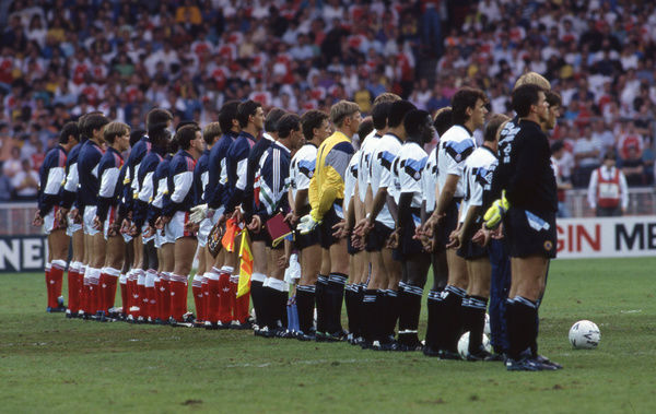 Football - 1990 Makita International Tournament - Arsenal 2 Aston Villa 0     The two teams line-up before kick-off, at Wembley.     10/08/1990