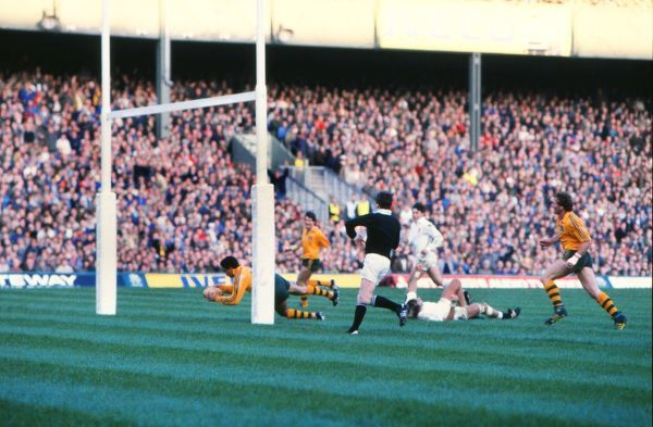 Mark Ella scores a try for Australia. England v Australia, 3/11/1984. Rugby Union 1984. @ Twickenham Credit: Colorsport